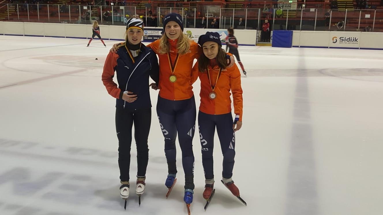 Emma van Zuijlen wint borns op se 1500 meter.